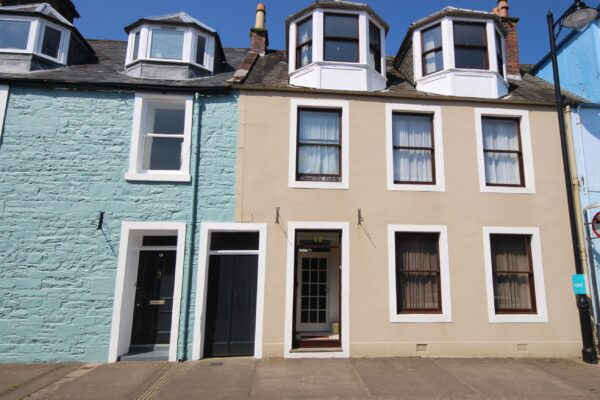 12 Castle Street, Kirkcudbright - Williamson and Henry