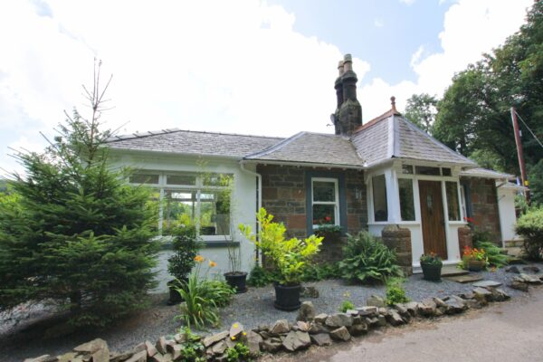South Lodge, Queenshill, Ringford - Williamson and Henry