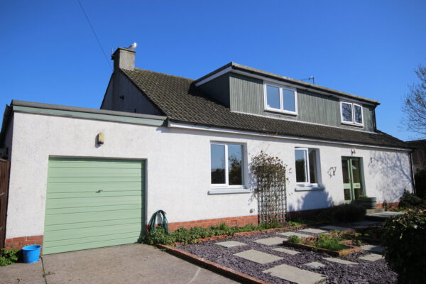 1 Longacres Road, Kirkcudbright - Williamson and Henry